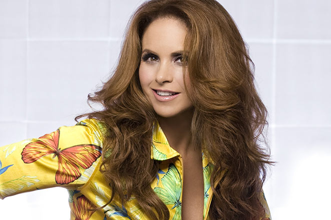 Lucero relanza Indispensable