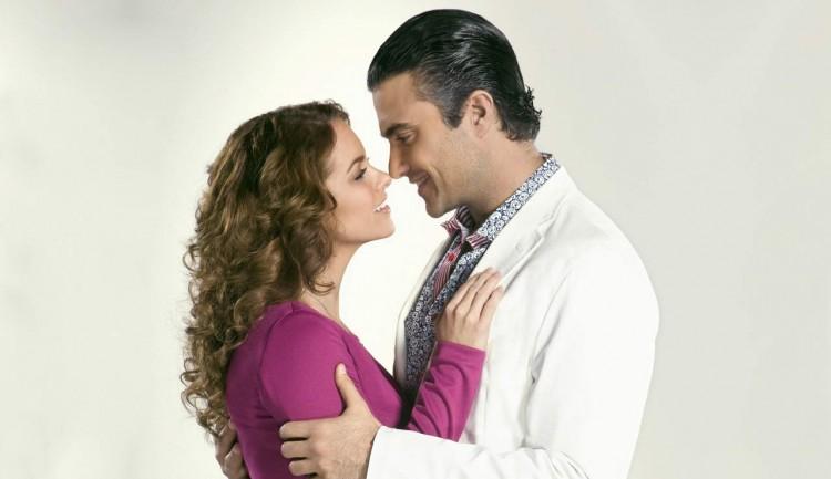 Lucero y Jaime Camil - Por Ella Soy Eva
