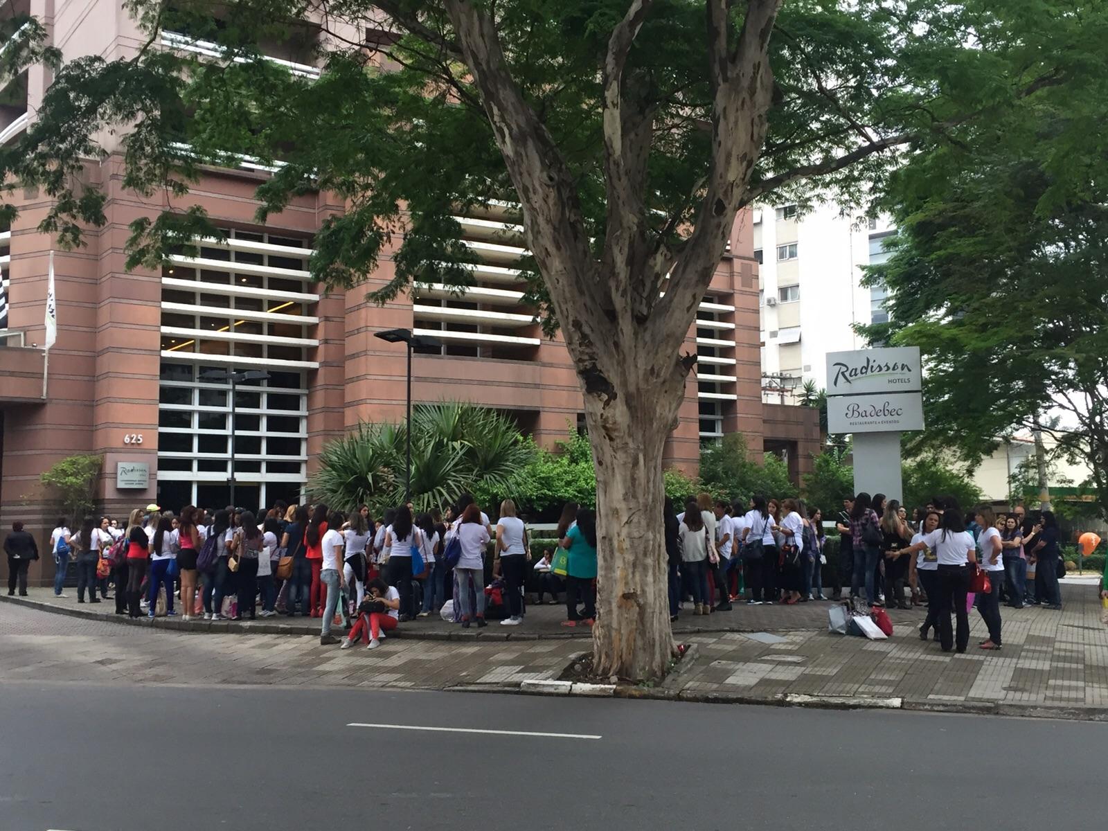 Lucero convive con fans en Brasil