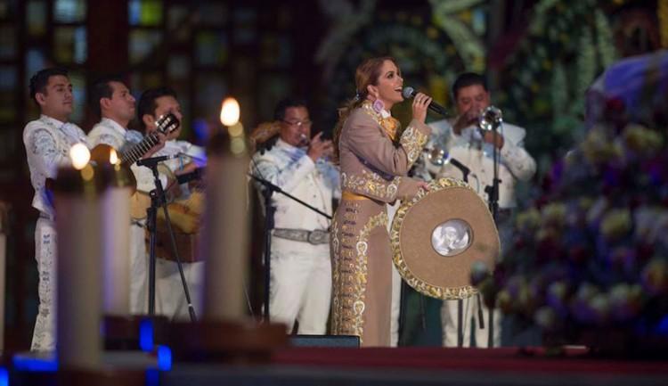 Lucero y Pedro Fernández - Mañanitas a la virgen de Guadalupe
