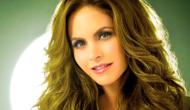 Lucero en Showbiz