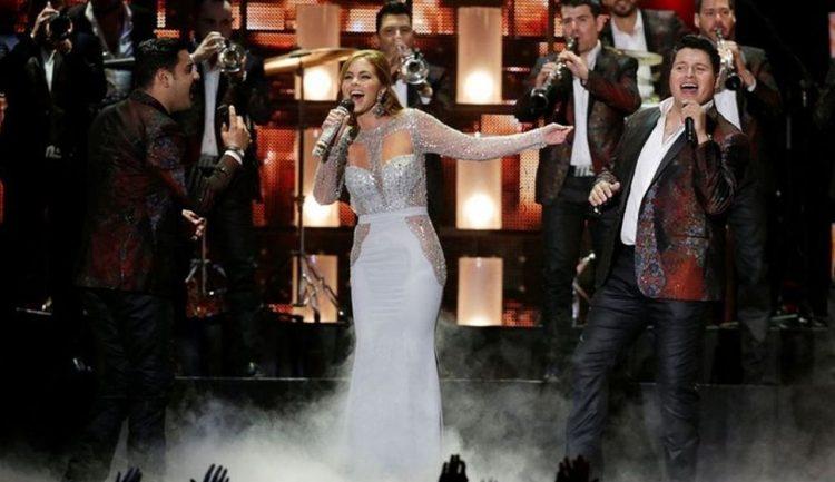 Lucero y Banda MS en Billboard