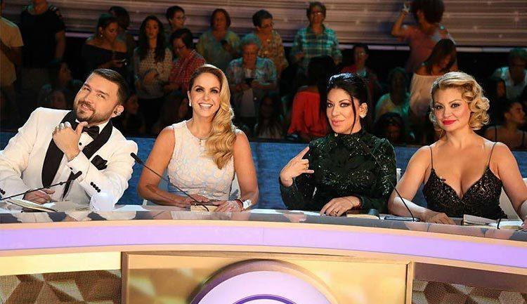 Lucero canta con los jueces de La Reina de la Canción