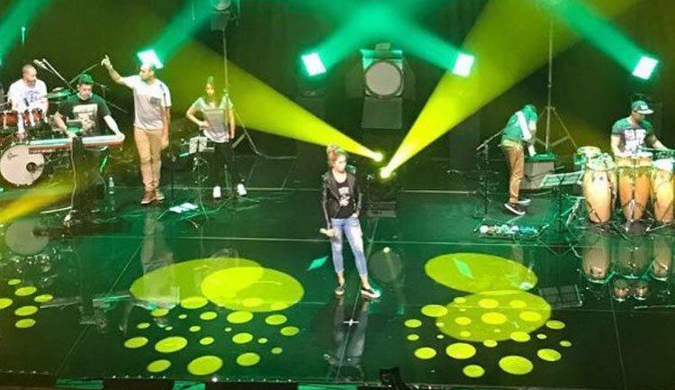 Lucero ensaya para el show en Brasil