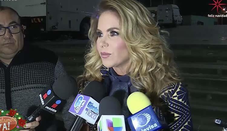 Lucero entrevistada afuera de la Basilica de Guadalupe en 2017