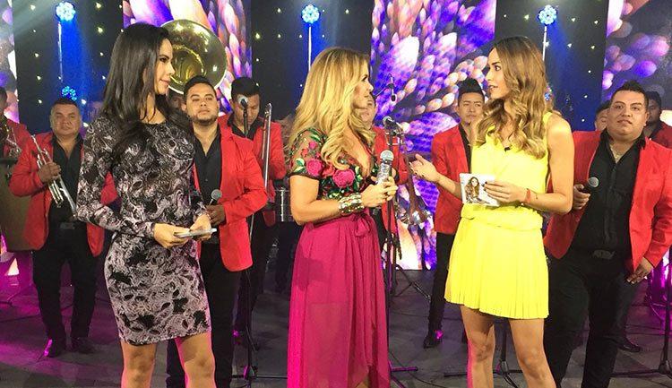 Lucero con Paola Rojas