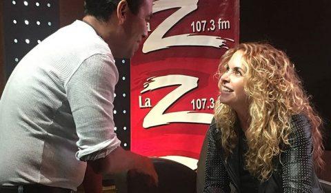 Lucero firma boletos para Auditorio Nacional