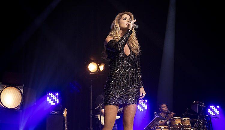 Lucero lanza el disco Brasileira en Vivo