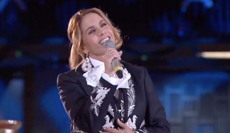 Lucero canta a la virgen 2019