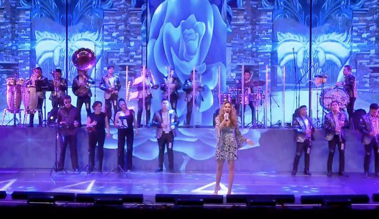 Lucero Banda Live