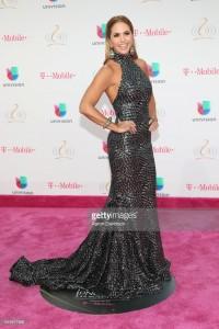 Lucero Alfombra Purpura Premios Lo Nuestro